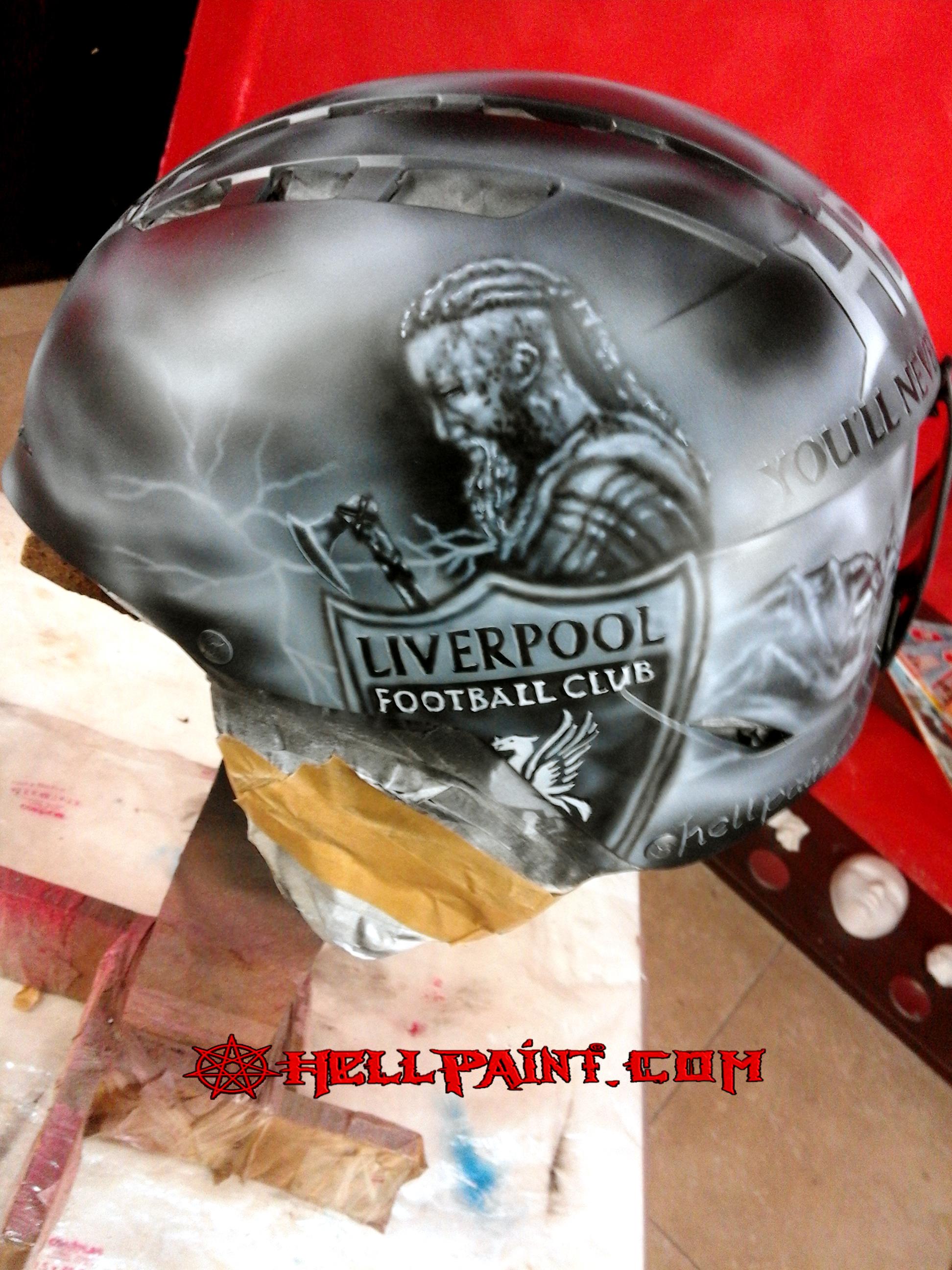 Аерография каска Ragnar-Lothbrok-Liverpool