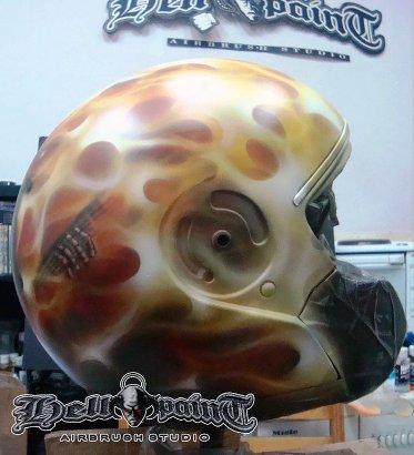 Skull guitar in Flames.